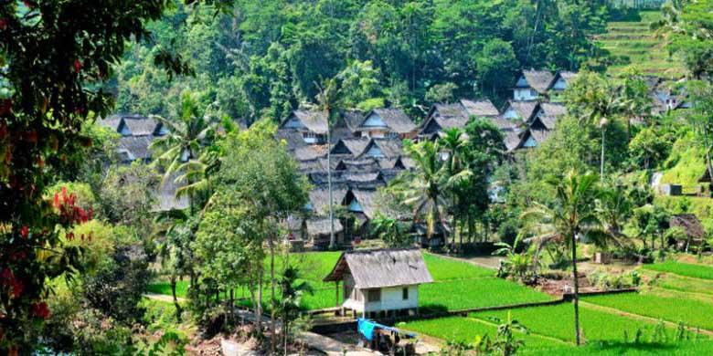 sejarah kampung naga